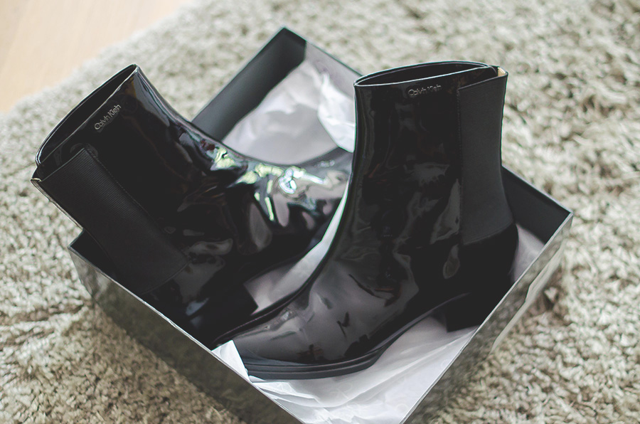 calvin-klein-glossy-leather-ankle-boots-stephanine4
