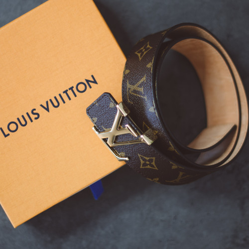 Louis-Vuitton-belt