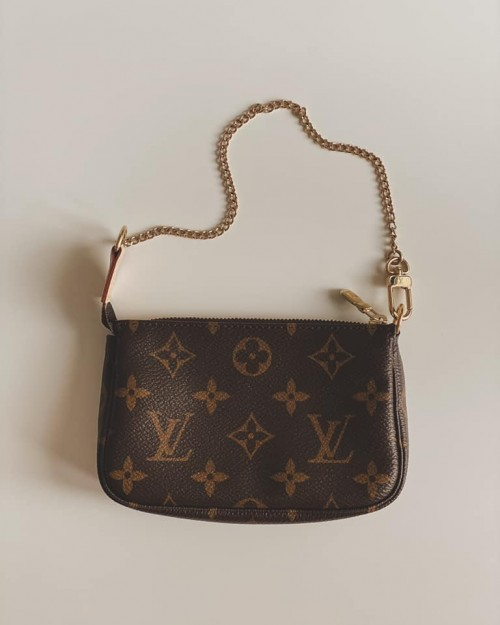 mini pochette accesoires monogram louis vuitton