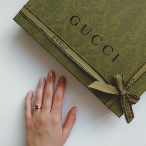 gucci-christmas-packaging-2020-swarovski-moon-ring